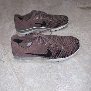 Nike Free TR Flyknit - Grey/Chrome Blush/Black